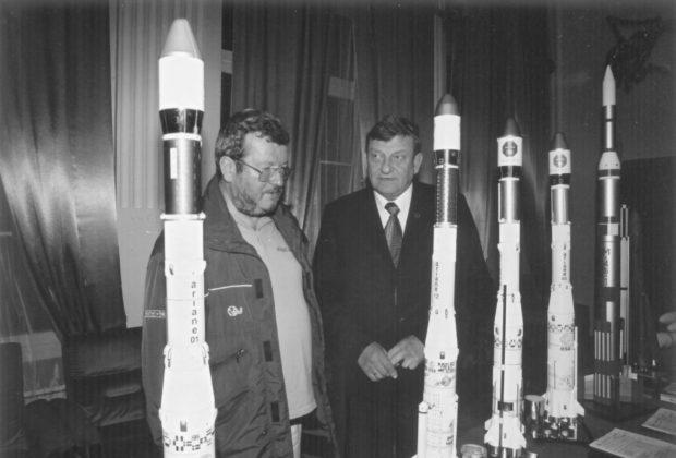 Piotr-Kruk-i-Mirosław-Hermaszewski-fot.-Witold-Wiśniowski-620x420